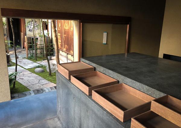 京都市中京区 老舗お菓子屋さんの店舗リノベーション