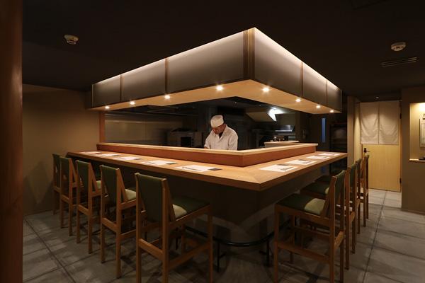 店舗リノベーション 京都市中京区 お料理まえしろ